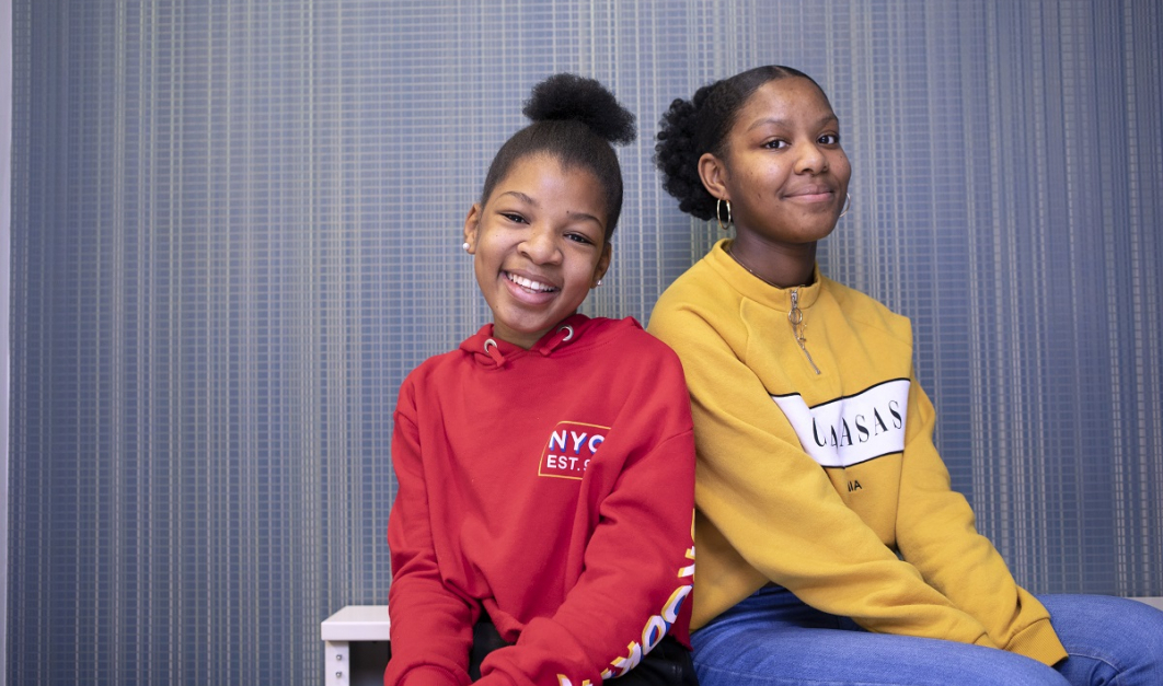 Sisters Kareece and Kameeka Stone-Small
